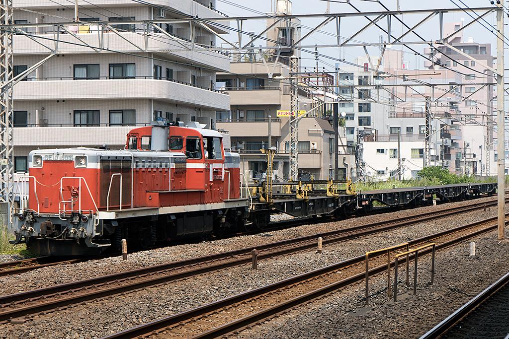 平井駅で下り列車を狙う